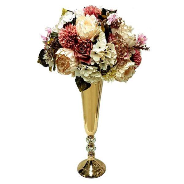 אגרטל זהב עם סידור פרחים מושלם