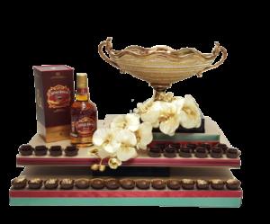 משלוח מנות מיוחד קערת פירות זהב עם ויסקי ושוקולד