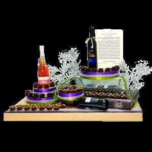 עיצוב גדול שוקולד ויין למחותנים שבת שבע ברכות