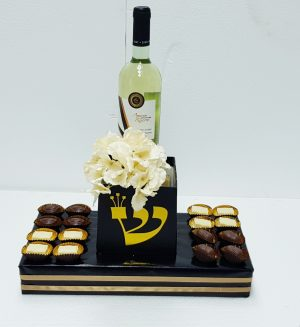 עיצוב לבר מצווה דגם תפילין משולב שוקלדים בלגים ויין