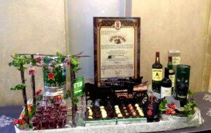 עיצוב שוקולד ויין לחתונה