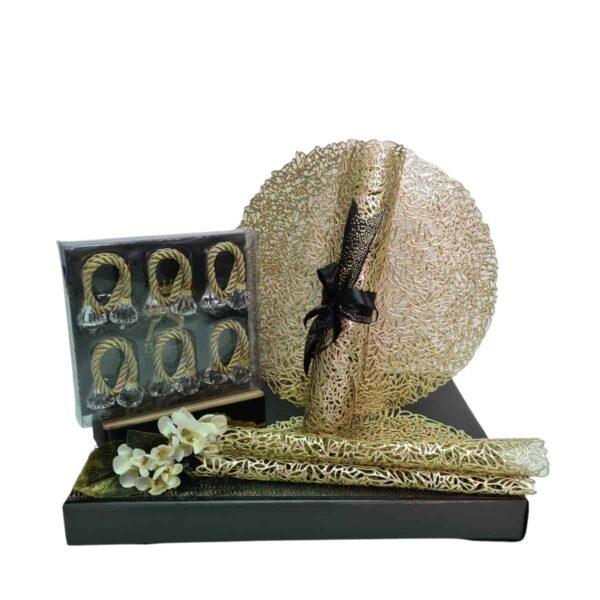 מתנה לאשה חבקים ופליסמנטים לעריכת שולחן